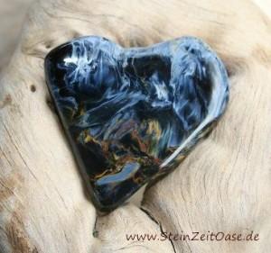 Pietersit Trommelstein natürlich entstandene Herzform