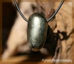 Chalkopyrit Trommelstein gebohrt
