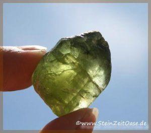 peridot kristallstufe