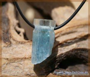 Aquamarin Natur-Kristall gebohrt