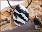 Zebra-Marmor Schmuckstein gebohrt