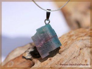 Paraiba-Turmalin Kristall an Silberöse
