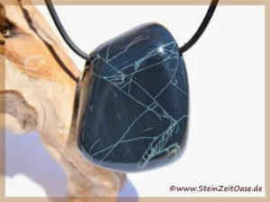 Spiderweb-Obsidiann Trommelstein gebohrt