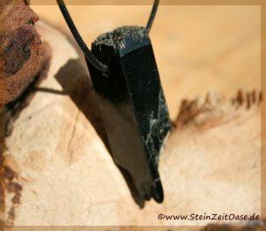 Aegiring (Ägirin) Kristall gebohrt