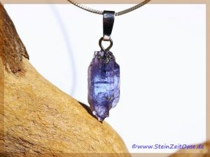 Tansanit Kristall an Silberöse