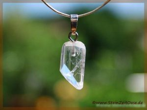 Apophyllit farblos Kristall an Silberöse