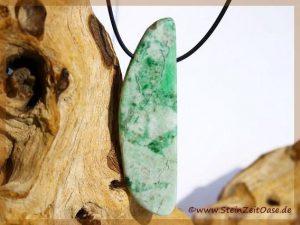 Jade (Jadeit) grün Schmuckstein XXXL gebohrt
