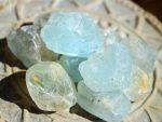 Topas blau natur Kristalle / Rohsteine