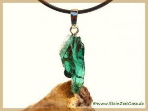 Turmalin grün Verdelith Kristall / Rohstein an Silberöse