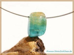 Turmalin blau (Indigolith) Trommelstein / Kristall gebohrt