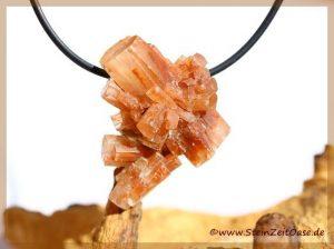 Aragonit-Igel Kristallstufe / Rohstein gebohrt