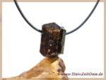 Dravit (Turmalin braun) Kristall / Rohstein gebohrt